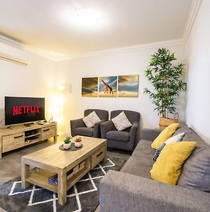 Mcmillan Holiday Apartments With Complimentary Parking, Wifi & Netflix photos Exterior