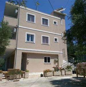 Anna'S Apartments Himare photos Exterior