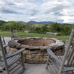 Modern Cades Cove Condo- Mountain Views, Community Pool And Fire Pit, Private Patio photos Exterior