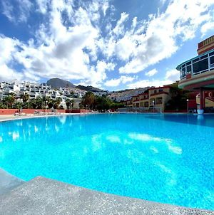 Apartment With Ocean Views And Huge Pool In San Eugenio Alto photos Exterior