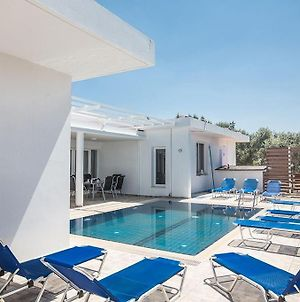 Villa Mavris - Lovely 4 Bedroom Villa With Private Pool In Central Ayia Napa photos Exterior
