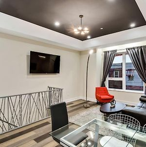 Penthouse Unit With Immaculate Private Roofdeck photos Exterior