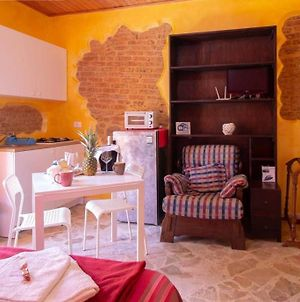 Studio In Castelbuono With Wonderful Mountain View Balcony And Wifi 13 Km From The Beach photos Exterior