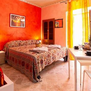 Studio In Castelbuono With Wonderful City View Balcony And Wifi 13 Km From The Beach photos Exterior