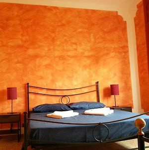 Room In Bb - B B Oasis Passion Fiera - Triple Room With Wifi And Ac photos Exterior
