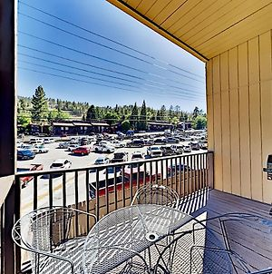 Ski-In, Ski-Out! Updated & Walkable Slope-View Gem Duplex photos Exterior