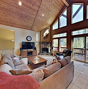 Donner Lake Basecamp With Luxe Deck & Water View Home photos Exterior
