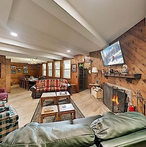 Iconic All-Suite Swiss Chalet With Fireplaces Home photos Exterior