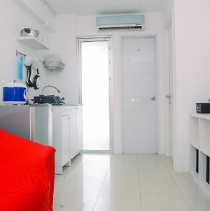 Comfy And Furnished 2Br Bassura City Apartment Near Mall By Travelio photos Exterior