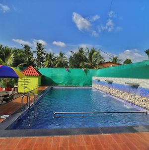 Boutique Room With Pool In Alibaug photos Exterior