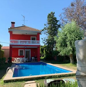 Villa With 5 Bedrooms In Pinseque With Private Pool Enclosed Garden And Wifi 150 Km From The Slopes photos Exterior