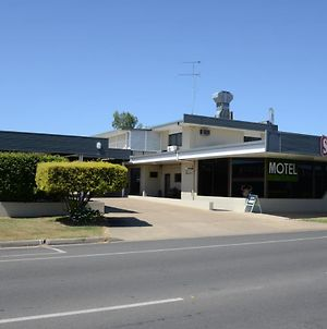 Biloela Centre Motel & Steakhouse Restaurant photos Exterior