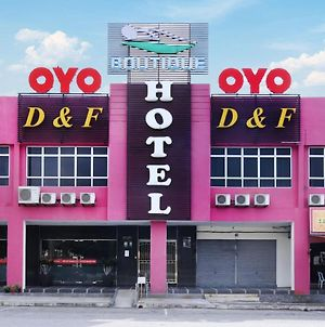 Oyo 498 D&F Boutique Hotel Senawang photos Exterior