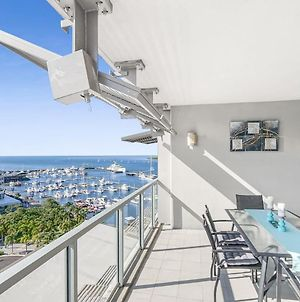 Modern Apartment With Breathtaking Views From Your Private Balcony photos Exterior