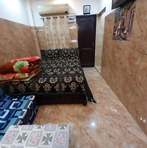 Cream Location,Wifi With Android Tv, Luxury Room photos Exterior