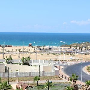 For rent elegant 3-room apartment in Ashdod near Hotel Leonardo ref Alberto photos Exterior