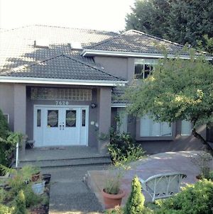Entire house 5 Bdrm 4 bath fully Furnished fully equipped kitchen, linen, luxury photos Exterior