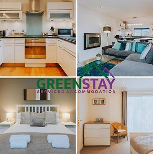 """""""The Penthouse Newquay"""" By Greenstay Serviced Accommodation - Stunning 3 Bed Apartment - Ideal For Families, Mixed Groups, Contractors And Relocations -Parking , Netflix, Wi-Fi & Close To All Beaches & Restaurants photos Exterior"""
