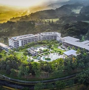 Royal Tulip Gunung Geulis Resort And Golf photos Exterior
