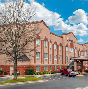 Comfort Suites Raleigh Walnut Creek photos Exterior