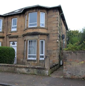 Comfortable Apartment In Glasgow Near Cardonald Station photos Exterior
