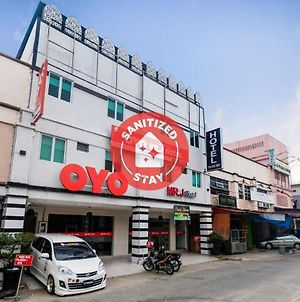 Oyo 718 Mr J Hotel Wakaf Che Yeh 1 photos Exterior