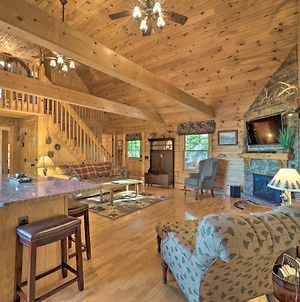Rural Hideaway With Game Room & Mountain Views! photos Exterior