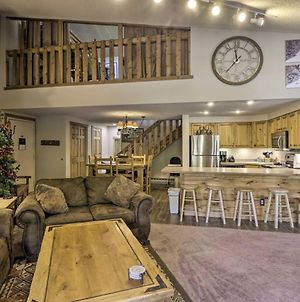 Ski-In Breck Condo With Pool Access And Balconies photos Exterior