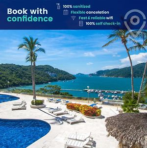 Apt with Spectacular View of Puerto Marqués Bay and Beach photos Exterior