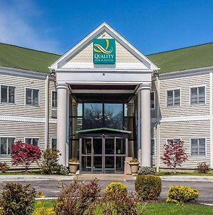 Quality Inn And Suites Newport - Middletown photos Exterior