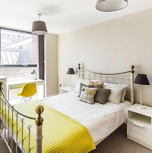Guildford Serviced Apartments With Free Parking & Wi-Fi photos Exterior