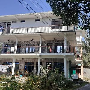 Mohinder & Mohindra Home Stay photos Exterior
