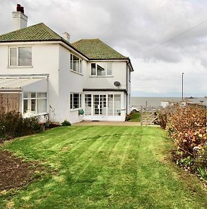 A Warm And Welcoming Family Home - By The Sea! photos Exterior