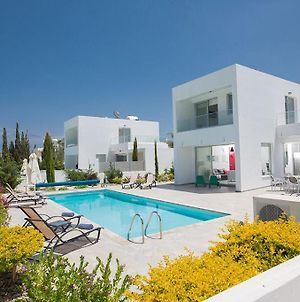 Villa Ochosto Helios - Beautiful 5 Bedroom Protaras Villa - Walking Distance To Fig Tree Bay Beach photos Exterior