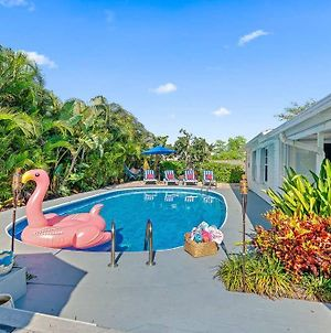 Villa Tropicana By Digsify Private Heated Pool Bbq King Bed Self Checkin Free Parking Near Pga Rapids Water Park Beaches Paley Institute Roger Dean Stadium Fitteam Ballpark photos Exterior