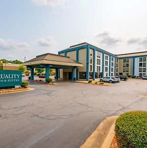 Quality Inn & Suites North Little Rock photos Exterior