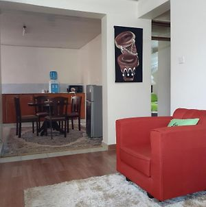 Spacious 3 Bedroom Furnished Apartment photos Exterior