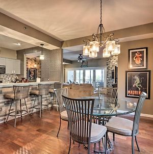 Chic Lakefront Condo With Fireplace And Balcony! photos Exterior