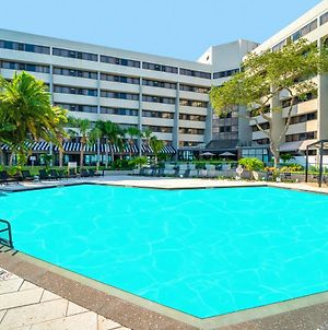 Doubletree By Hilton Tampa Rocky Point Waterfront photos Exterior