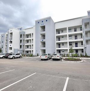 Spectacular All New 2 Bedroom Apartment In Spectacular Storey Lake Community Next To Disney photos Exterior