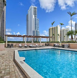 Resort-Style Condo - Block To Sunny Isles Beach! photos Exterior