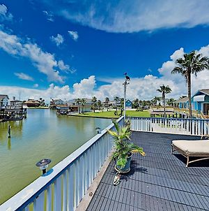 Waterfront Island Tiki House With Boat Slip & Deck! Home photos Exterior