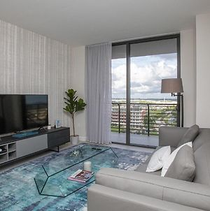 Luxury Apartment In Downtown Doral photos Exterior