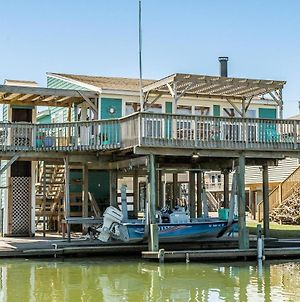 Hook, Wine And Sinker - Waterfront Bay Home! photos Exterior