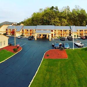 Super 8 By Wyndham Fort Chiswell Wytheville Area photos Exterior