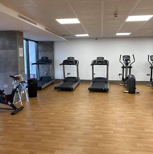 Studio-Self Contained With Free Gym Near Airport photos Exterior