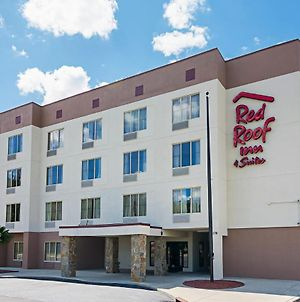 Red Roof Inn & Suites Fayetteville-Fort Bragg photos Exterior