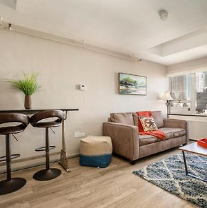 Great Rooftop Downtown Cozystays On 3Rd Street! photos Exterior