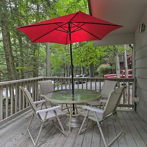 Mid-Century Cabin With Resort Amenities On Lake! photos Exterior
