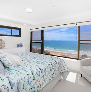 Parkyn Place 7 - Newly Refurbished Three Bedroom Oceanfront Apartment With Free Wifi! photos Exterior
